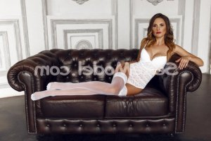 Anne-soizic massage tantrique fille libertine escorte girl